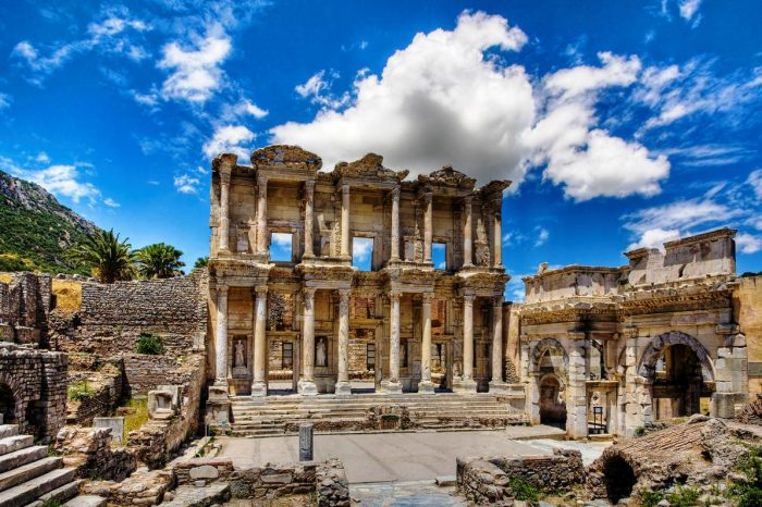 Ephesus, House of Hl. Mary – Şirince <br>(full day)<br>45 EUR / Pax